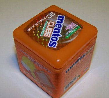 mentos-cube