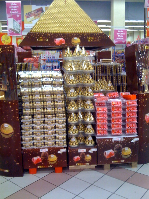 ferrero-candy-display